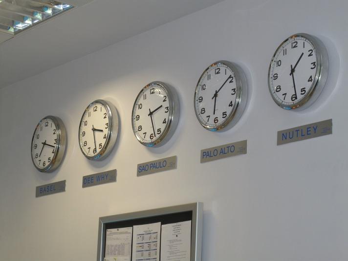 clock-2122431_1280.jpg