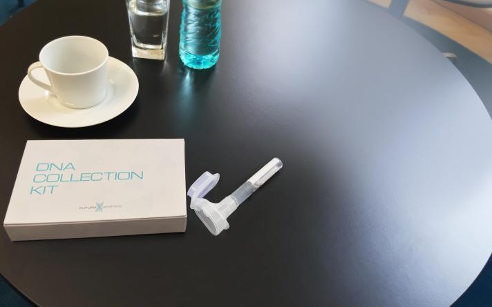 kit_on_the_table.jpg